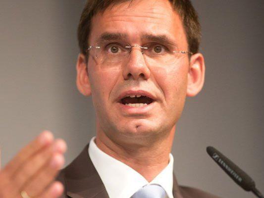 Landeshauptmann Wallner plädiert für Entzug der Staatsbürgerschaft bzw. des Asylstatus.