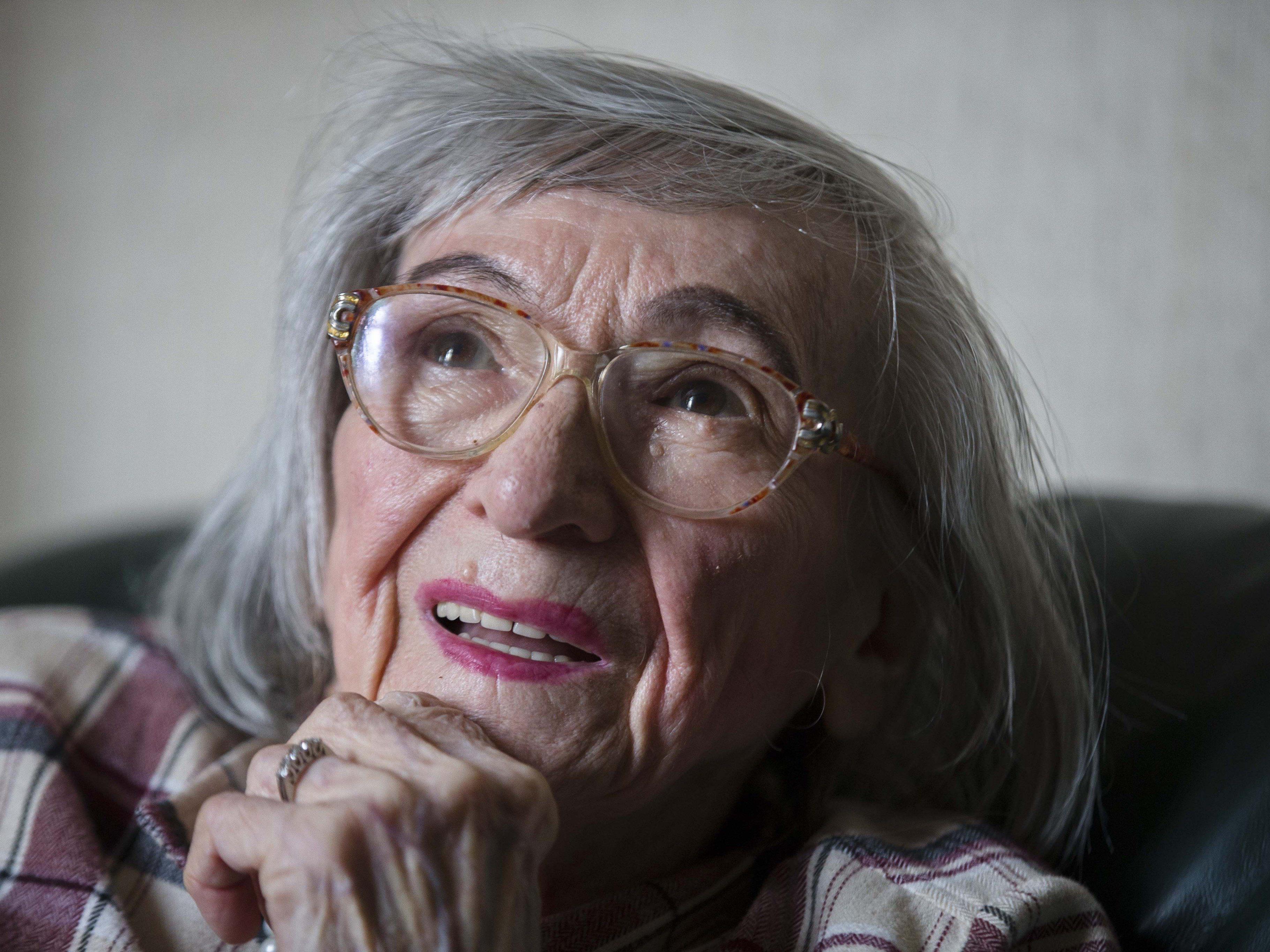 Die damals 24-Jährige war 1941 aus der zerbombten Wohnung ihrer Eltern in Berlin-Schmargendorf zur Schwiegermutter nach Ostpreußen gezogen.