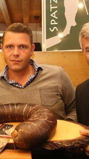 Riesen-Blunze für Karl Merkatz in der Jedlersdorfer Alm