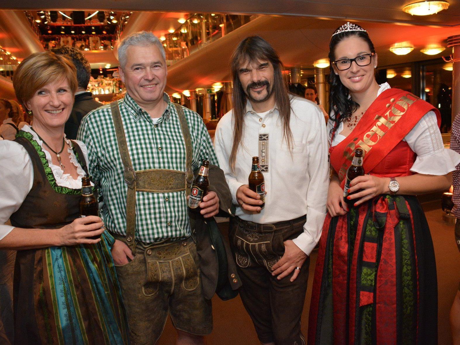 Sabine Treimel, Andreas Rosa, Wolfgang Sila und Bierkönigin Raphaela Dünser als Bierbotschafter.