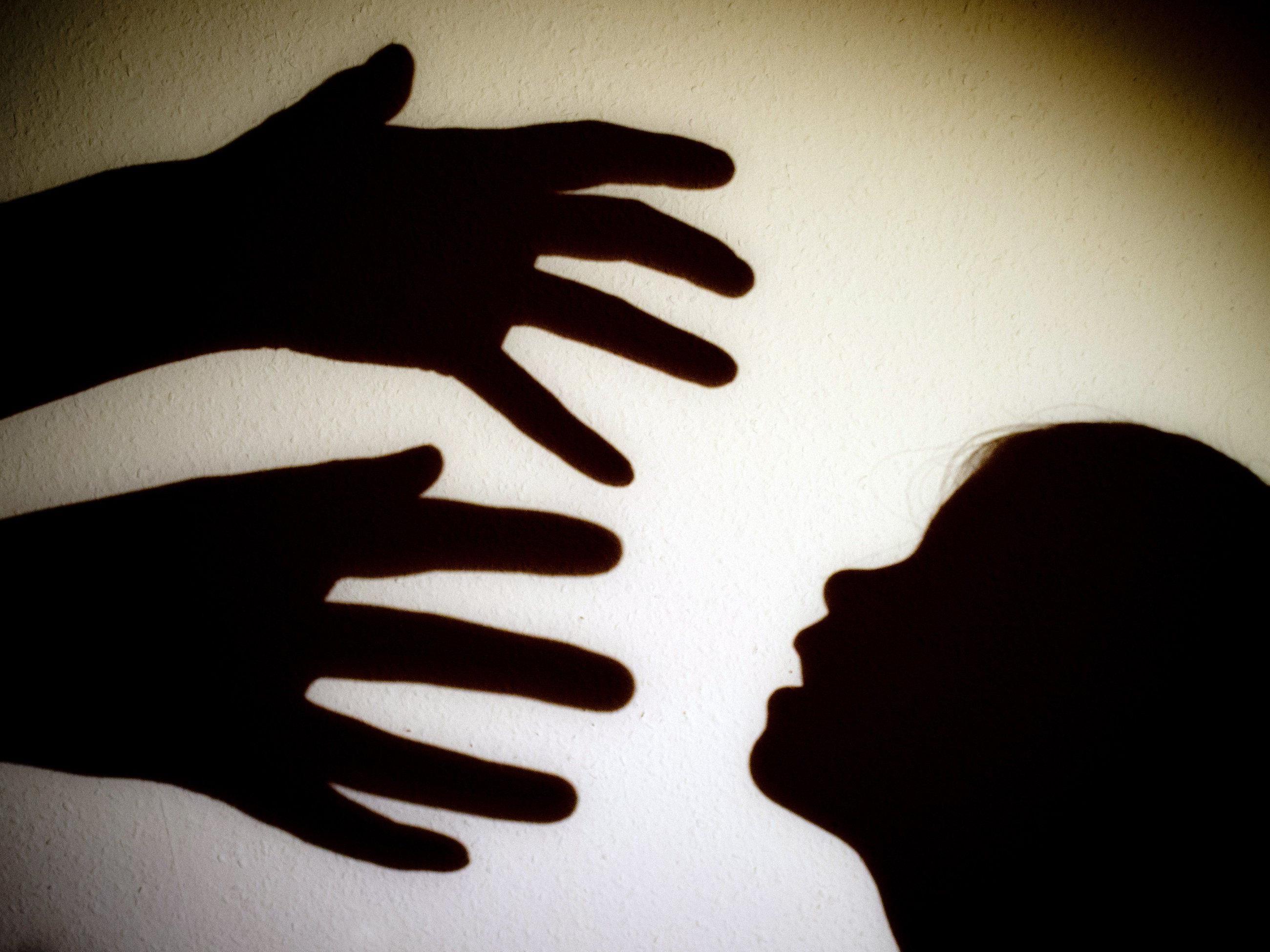 Der Autor Horst Schreiber berichtet von Gewalt und Missbrauch