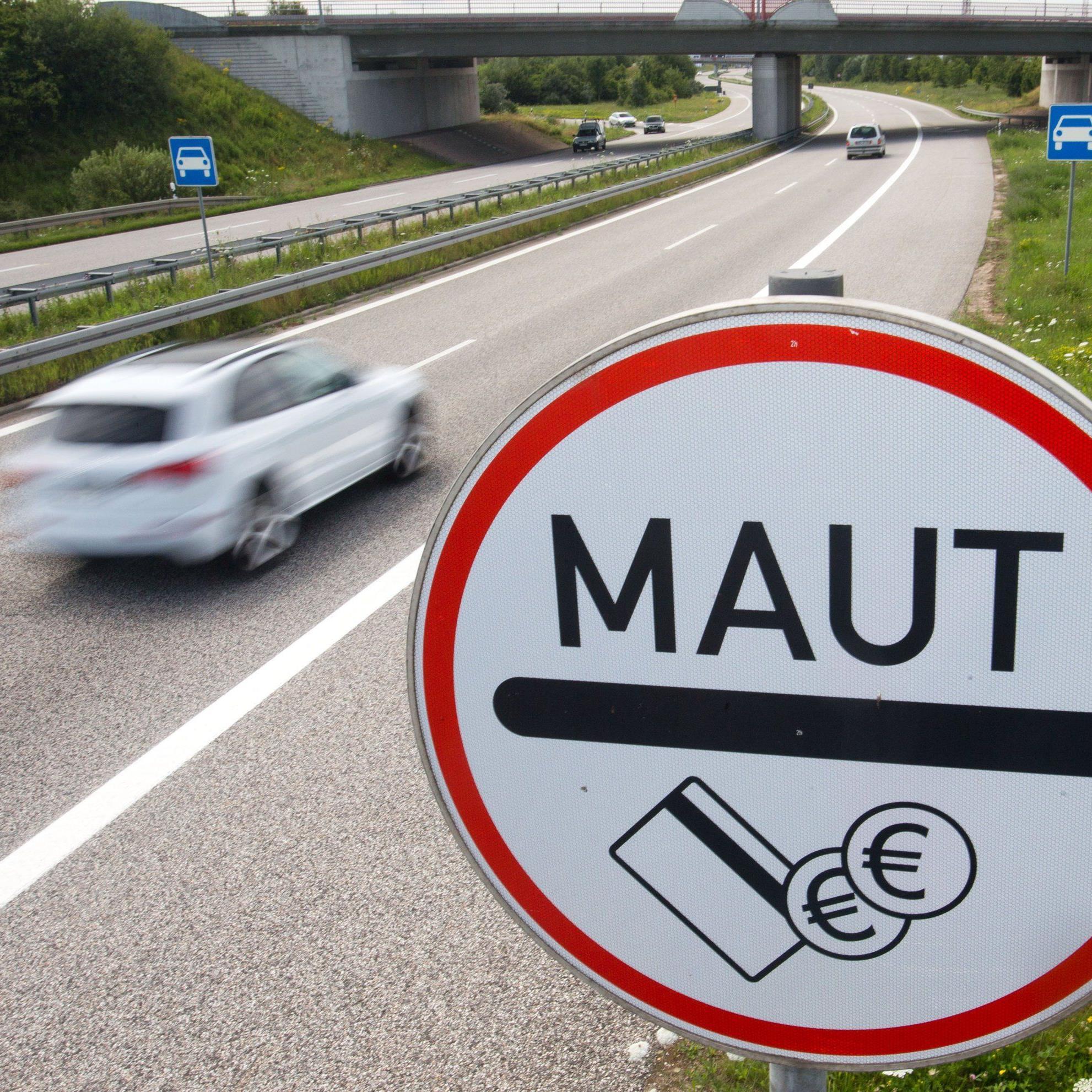 Autobahnen und Bundesstraßen: Laut Gutachten des deutschen Verkehrsministerium wäre Maut so EU-konform