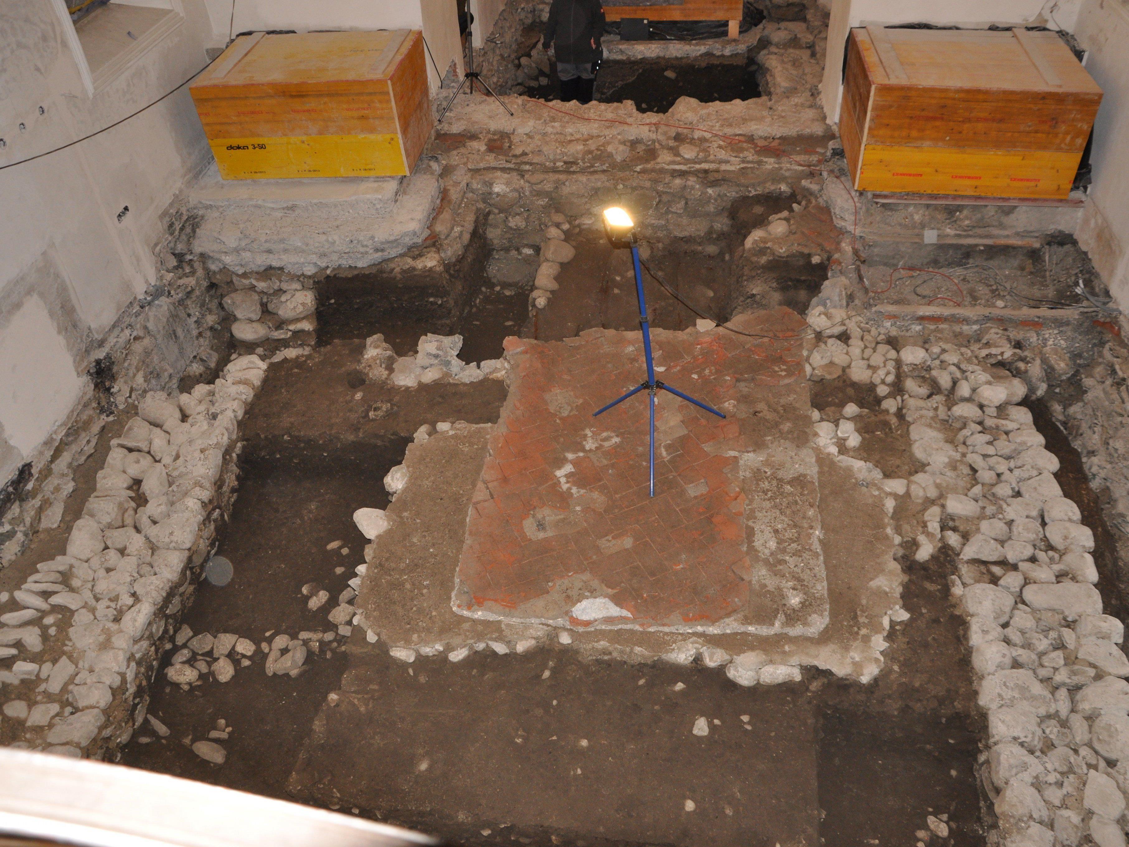 Beeindruckende Ergebnisse brachten die Grabungen in der Rankweiler St. Peter Kirche zu Tage.