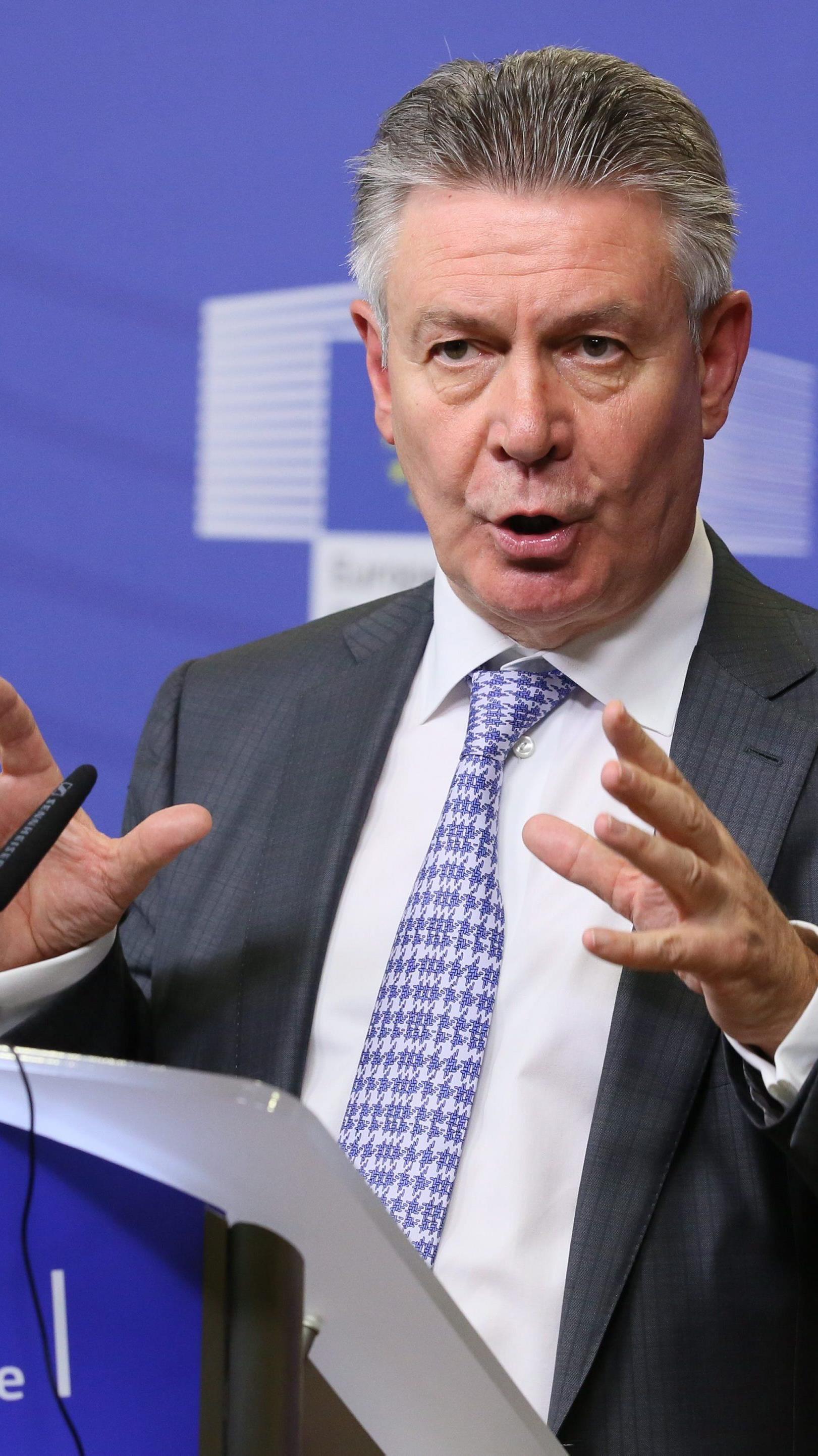De Gucht will überzogene Forderungen an US-Regierung vermeiden