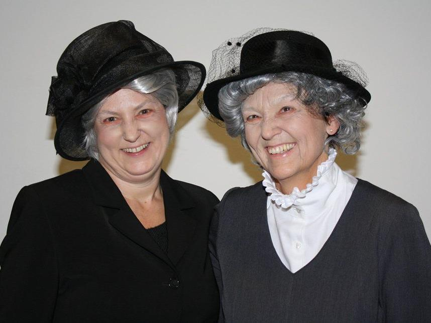 Gerda Kohler und Irmtraud Köb brillierten als alte Damen.