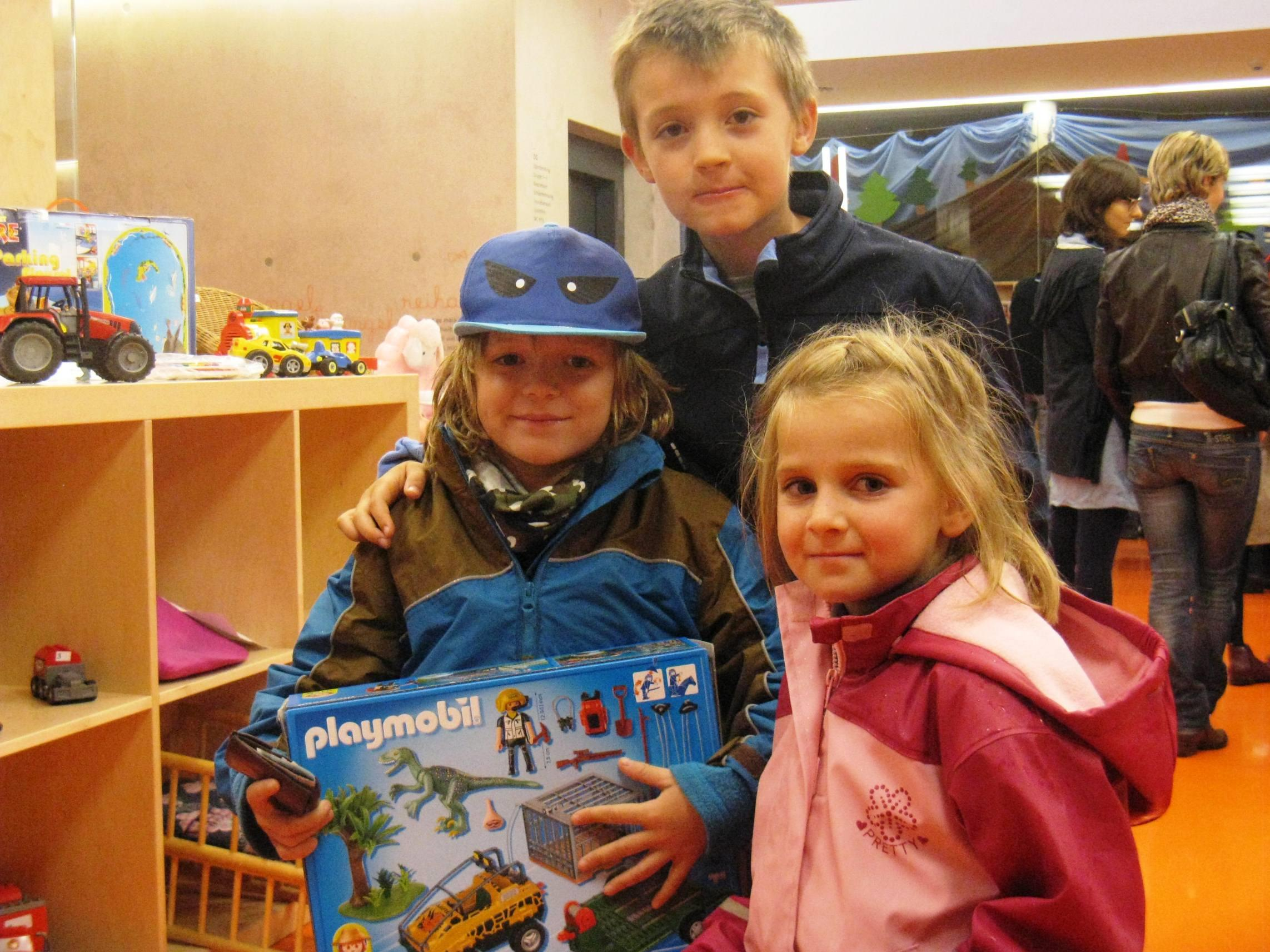 Kinder bei der Spielebörse
