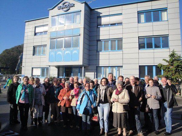 Pensionistenverband Mittel- und Hinterwald besucht Loacker-Recycling