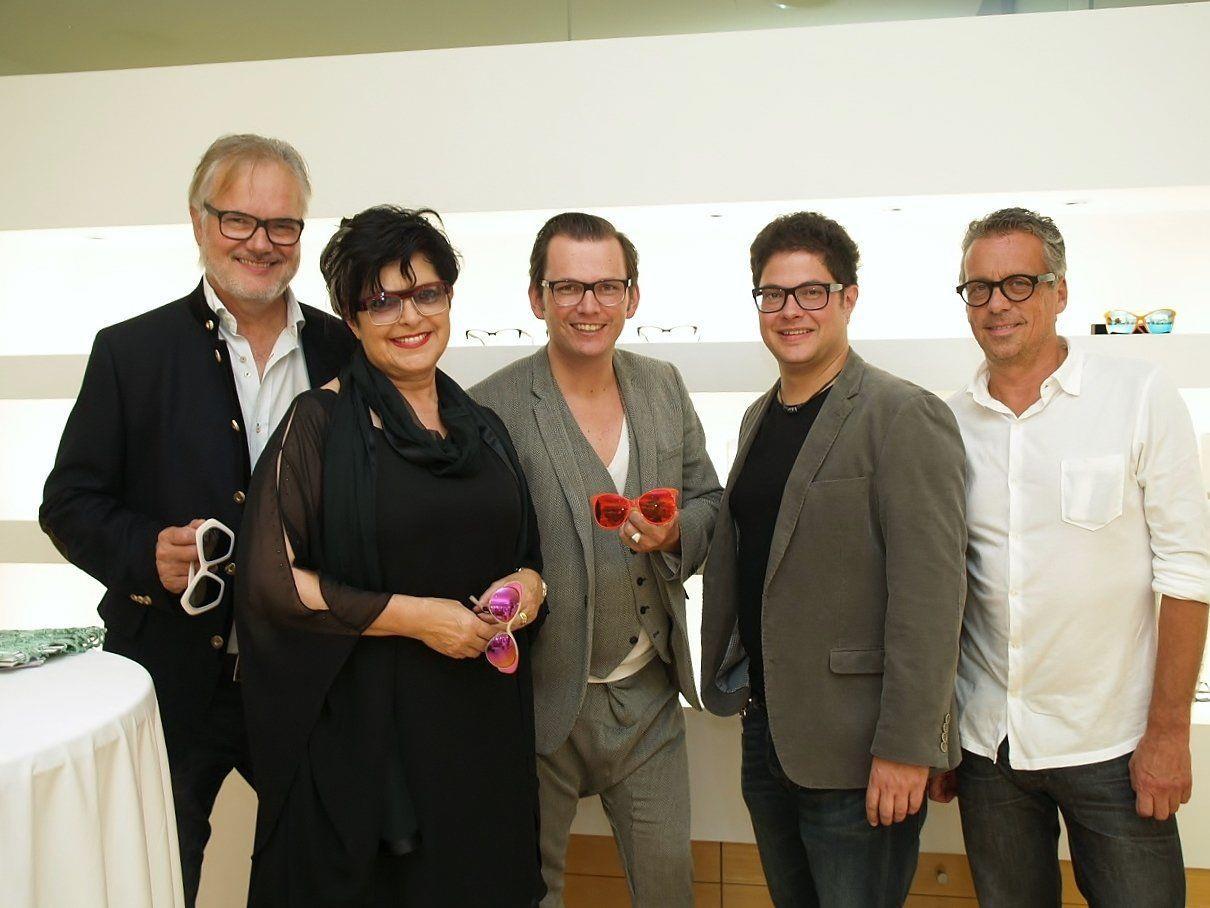 Peter und Susanne Scharax, Wolfgang Scheucher (Andy Wolf Eyewear), Alexander Scharax und Geschäftsführer Hansjörg Döring.
