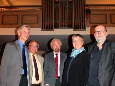 Unter den Gratulanten von Franz-Josef Muxel, Alfred und Brigitte Dünser und Benno Natter war auch Elgar Odo Polzer.