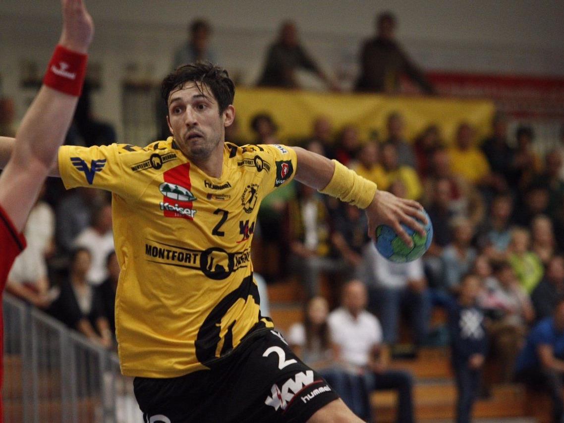 Bregenz Handballspieler Lukas Mayer bot eine starke Leistung
