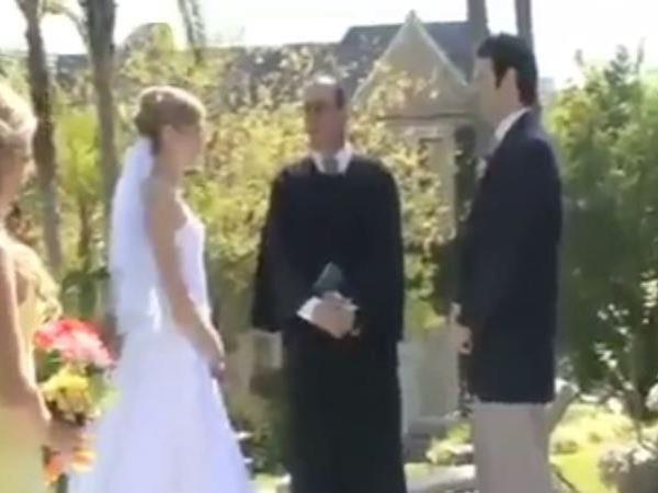 """Diesen """"Unfall"""" wird das Brautpaar nicht mehr vergessen."""