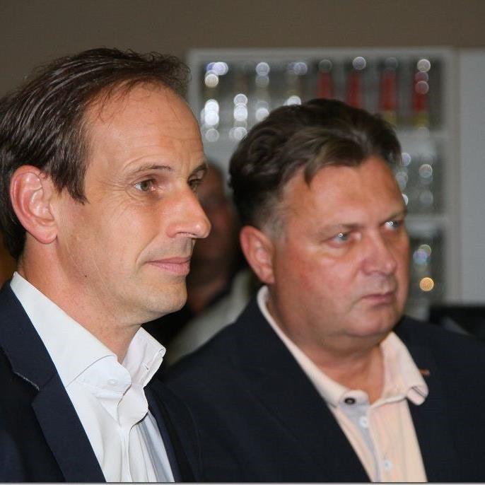 Landesrat und FPÖ-Klubobmann Dieter Egger und Sportstadtrat Friedl Dold wohnten den Feierlichkeiten bei.