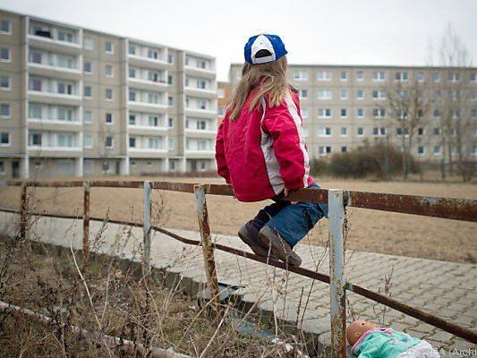 Armut trifft auch viele Kinder