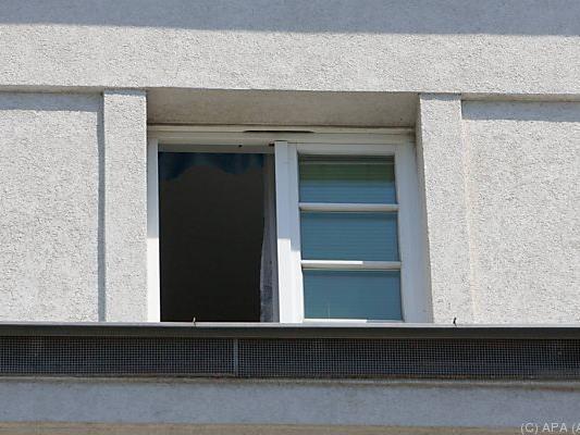 Fenstersturz könnte Suizidversuch gewesen sein