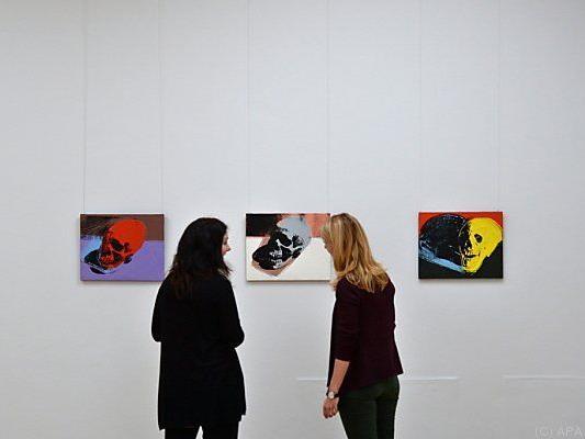Besucherinnen der Kunstsammlung Chemnitz