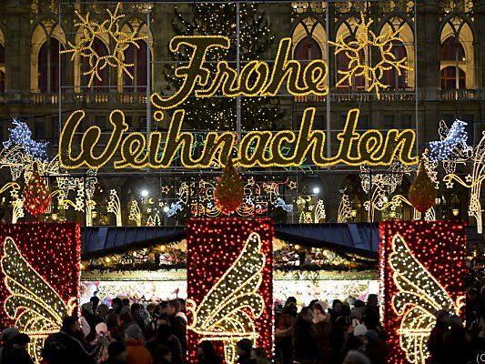 Viele teure, bunte Lichter in ganz Österreich