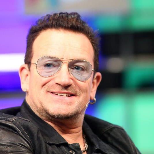 Das tat weh: Bono erlitt bei dem Sturz multiple Knochenbrüche.