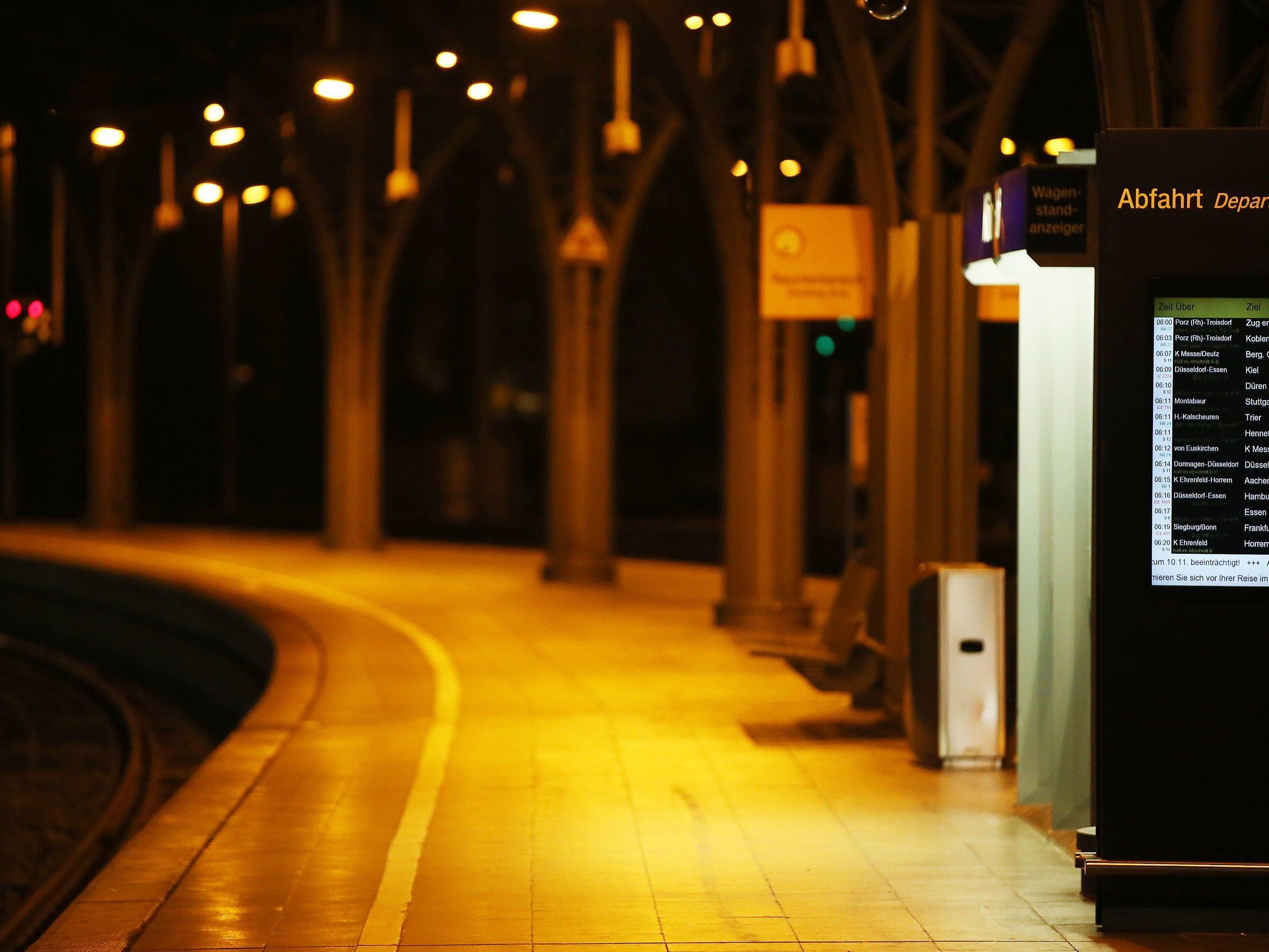 Die Lokführer wollen ihren bundesweiten Streik bei der Deutschen Bahn am Freitag fortsetzen.