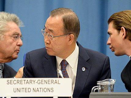 (v.l.) BP Heinz Fischer, UNO-Generalsekretär Ban Ki-moon und AM Sebastian Kurz bei der UNO-Konferenz in Wien