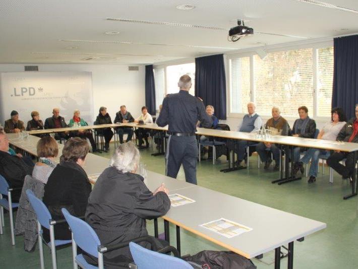 Der Seniorenring zu Besuch in der Landespolizeidirektion