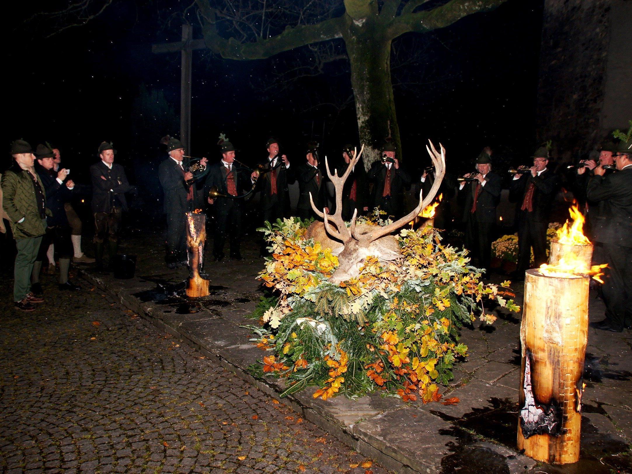 Feierliche Zeremonie beim Hubertusfest