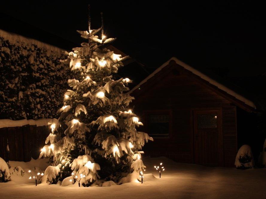 Weihnachtsmette mit Glühmost, Punsch und Spendenaktion.