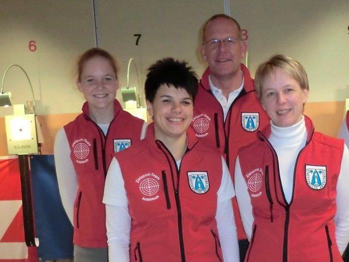 Im Bild v.l.n.r. Bianca Egender, Katja Rüscher, Walter Egender und Waltraud Metzler von der USG Andelsbuch