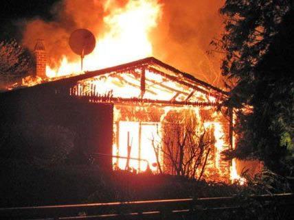 Das Blockhaus im Burgenland brannte vollständig aus.