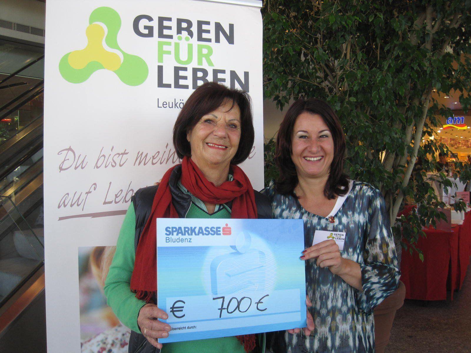 V.li.n.re.: Gerlinde Wiedemann und Susanne Marosch.