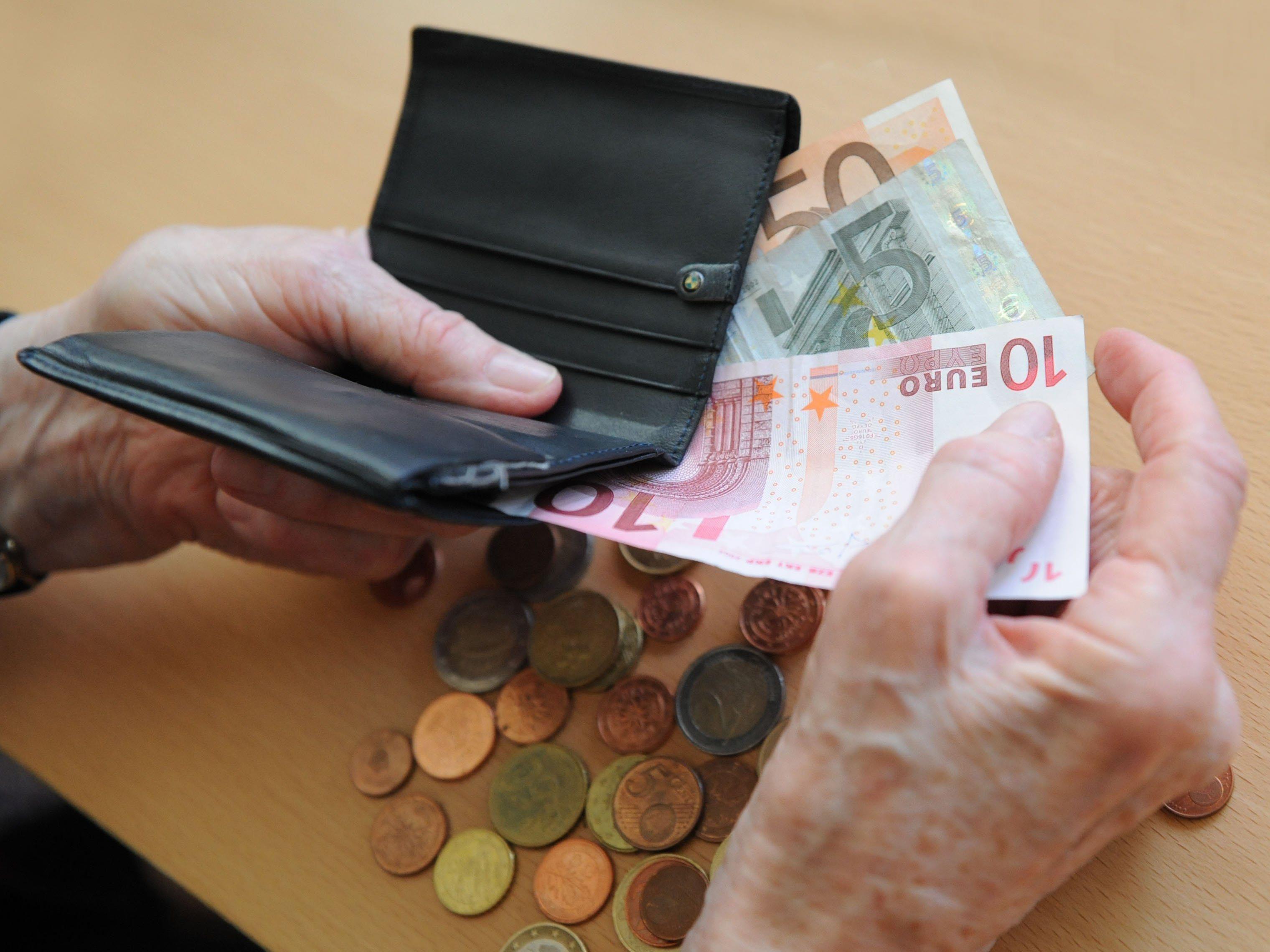 Jahreseinkommen von Vorarlbergs Pensionistinnen österreichweit am niedrigsten.