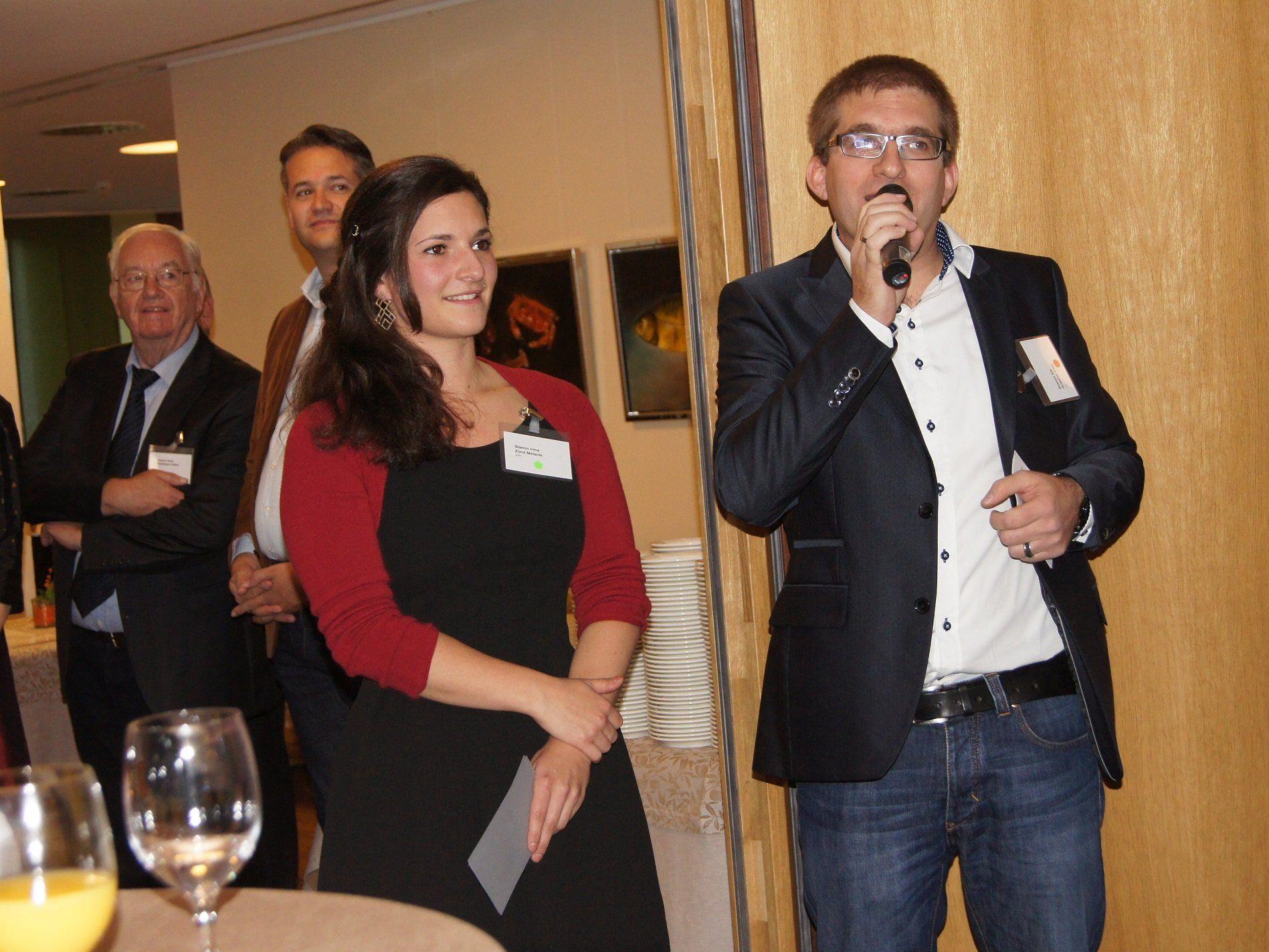 Melanie Zünd und Uwe Grabher führten durch ein unterhaltsames Familienfest.