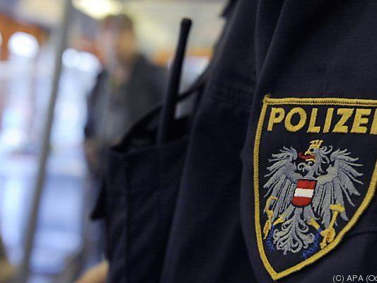 Die Polizei sucht nach einem Täter