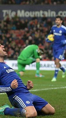 Cesc Fabregas freut sich über sein Tor gegen Stoke
