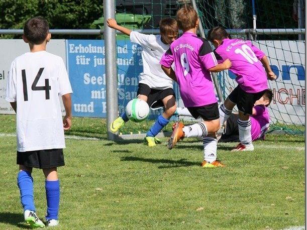 Symbolbild: 42 Teams beim Viktoria Bregenz Hallenfußballturnier dabei.