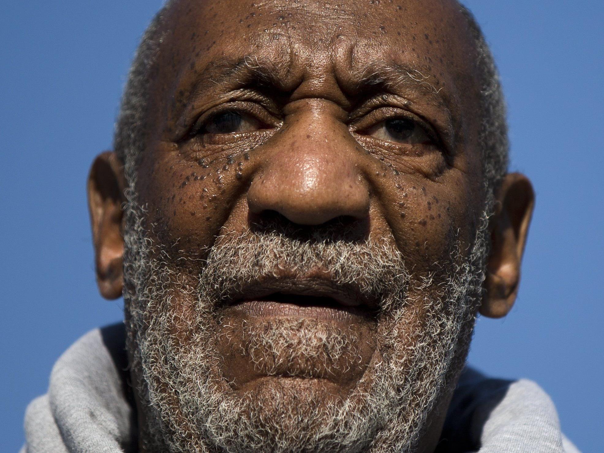 Mittlerweile erheben etwa 20 Frauen schwere Vorwürfe gegen TV-Star Bill Cosby.