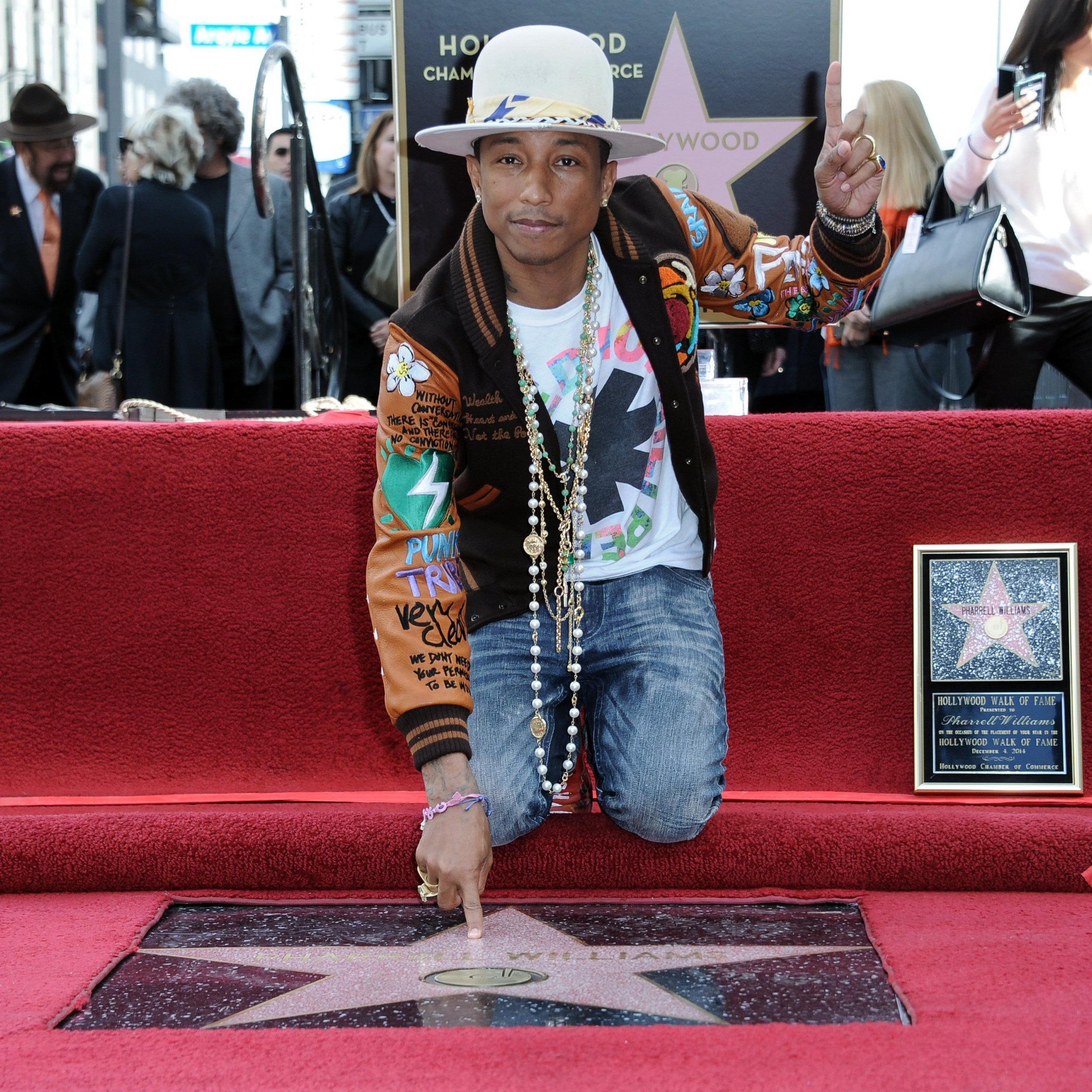 Popstar und Songwriter Pharrell Williams wurde mit einem Stern auf dem Walk of Fame geehrt.