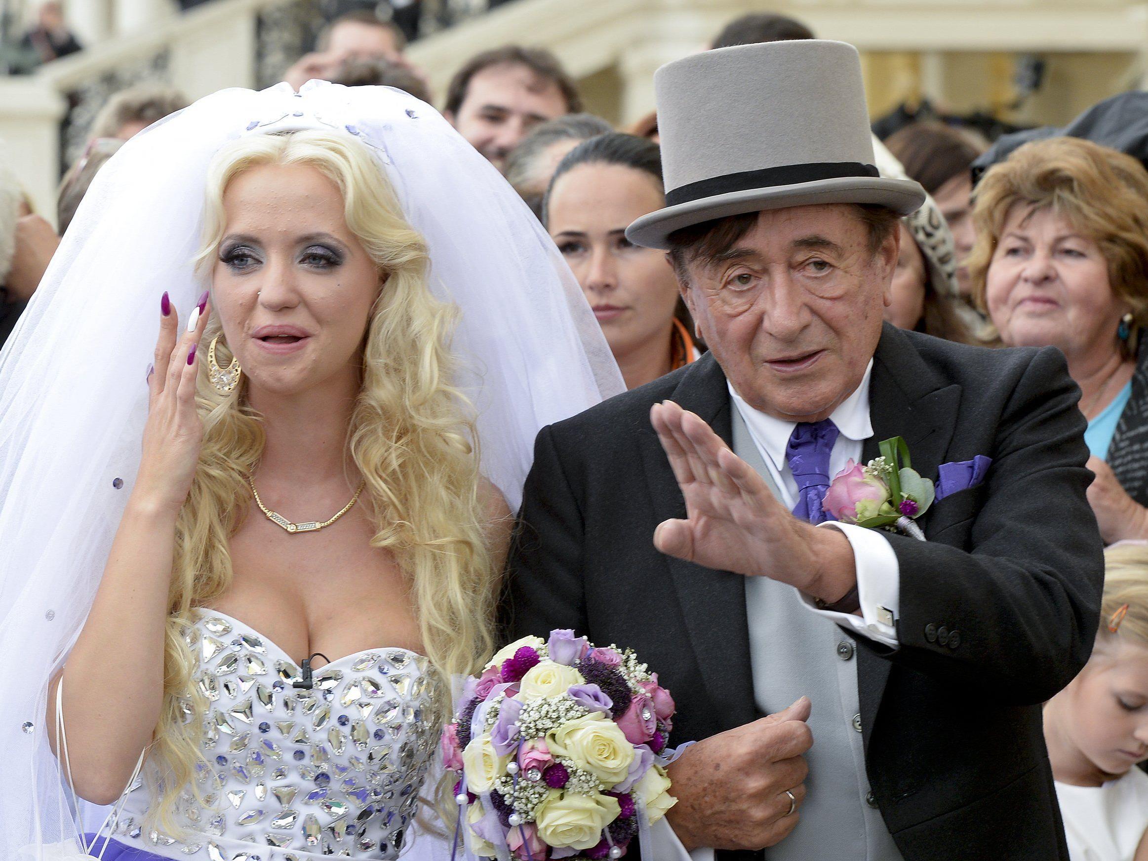 Im September wurde geheiratet, jetzt soll es schon die erste Ehekrise geben.