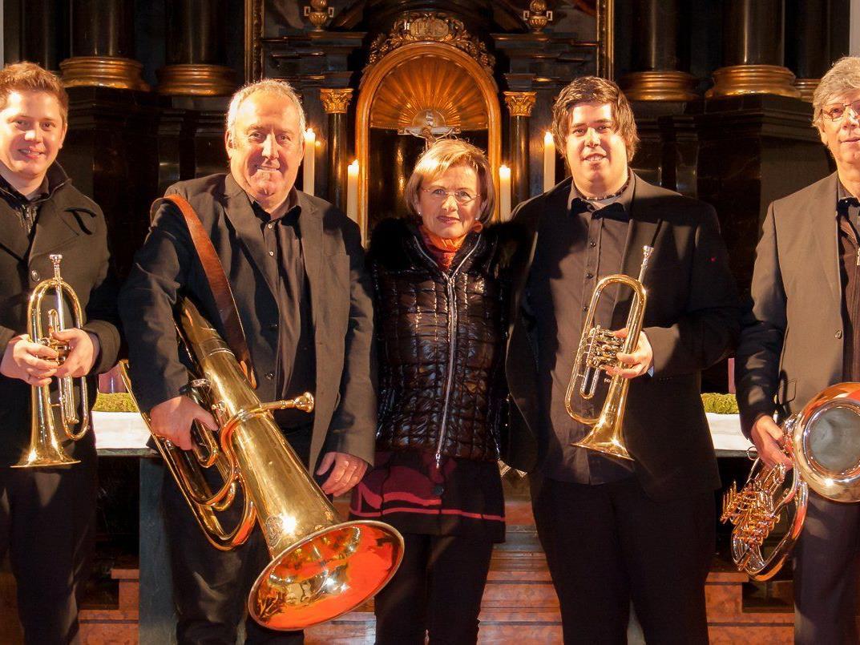 Weihnachtskonzert der Bürserberger Volksmusikanten mit Renate Neve.