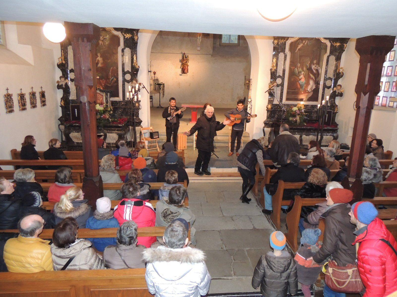 Mag. Gunnar Breuer begrüßte die Gäste zum Konzert in der Martinskapelle
