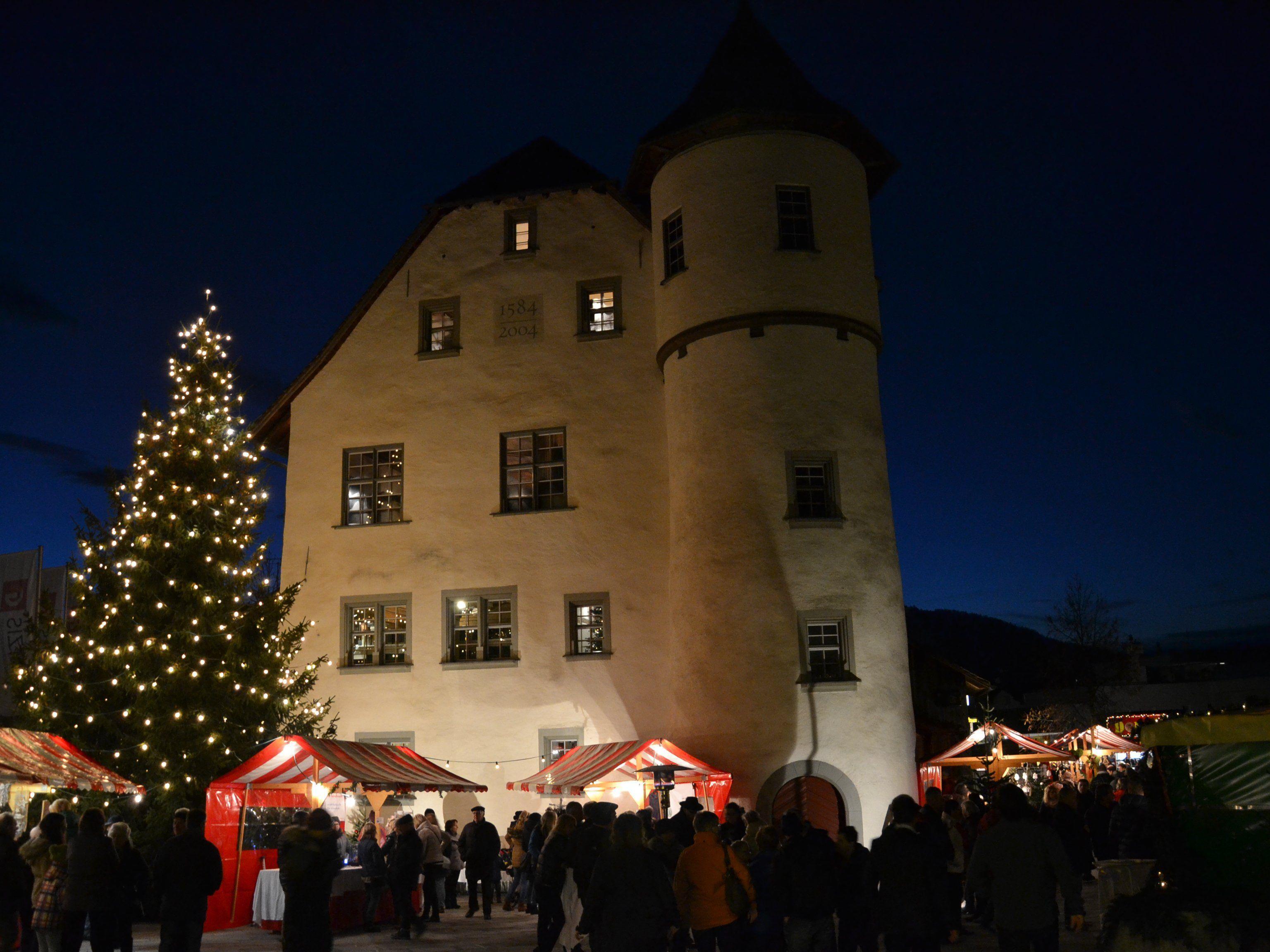 Romantischer Weihnachtsmarkt.Romantischer Weihnachtsmarkt Beim Jonas Schlössle Götzis Vol At