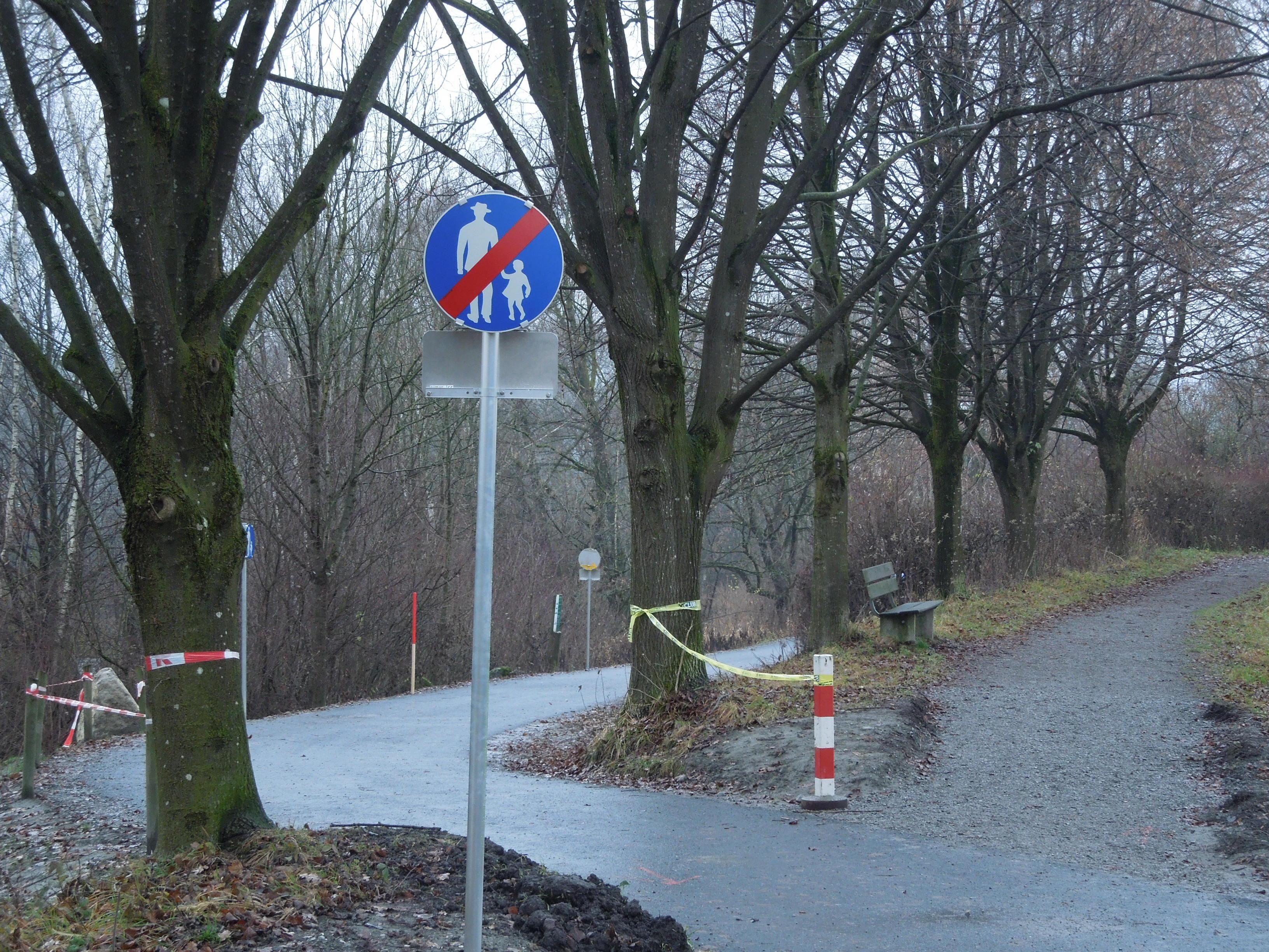 Das im Bürgerforum angesprochene Schild ist ein Hinweisschild und kein Verbotsschild.