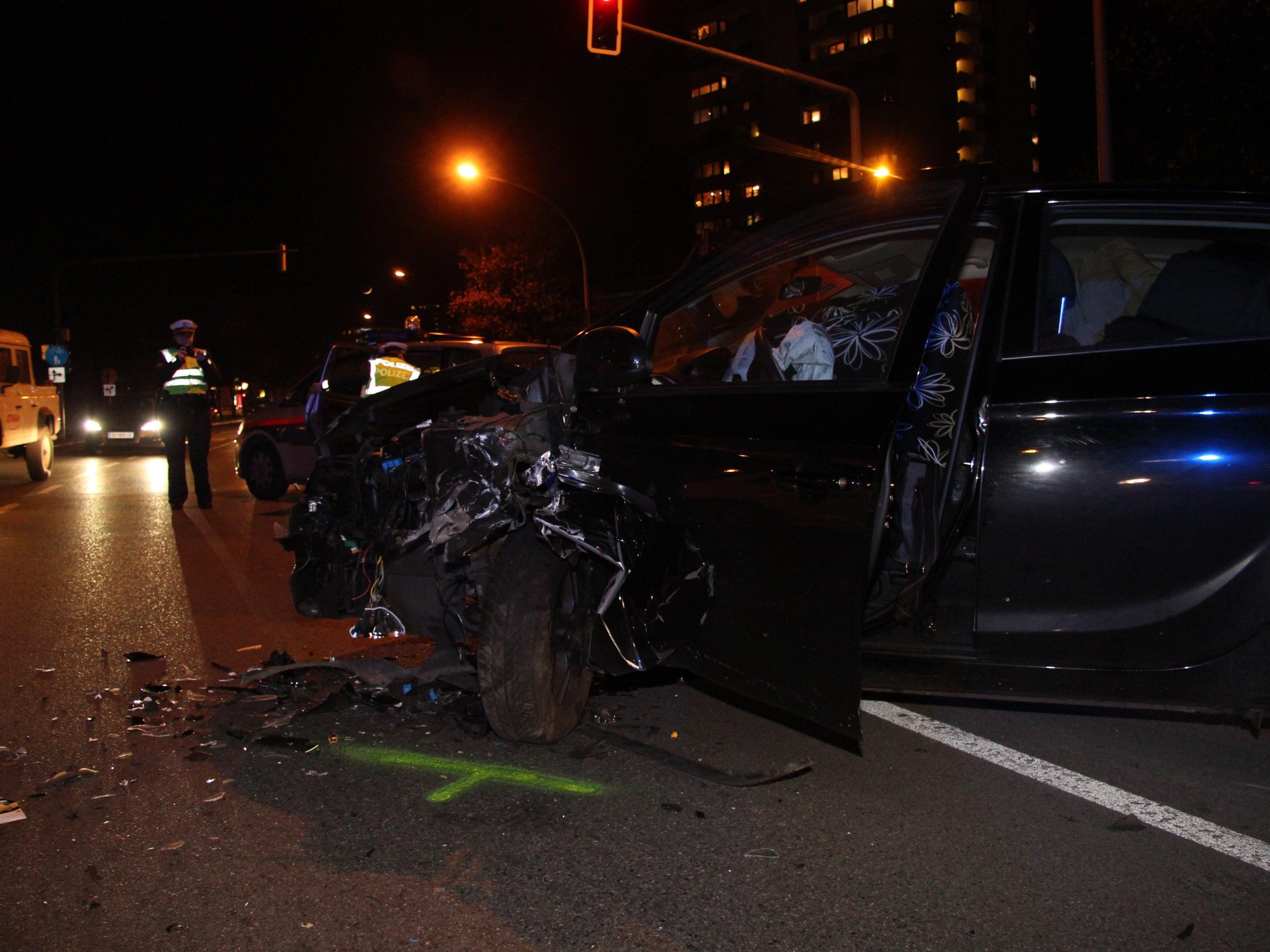 Eine Vollbremsung führte zu dem Unfall in Bregenz.