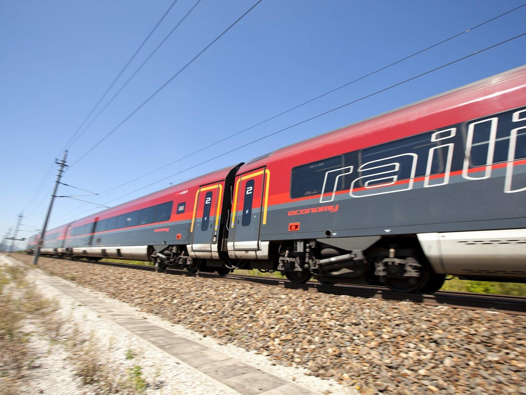 Mehr railjet und schnelle Verbindungen bringt der neue Fahrplan 2015 auch in Vorarlberg.