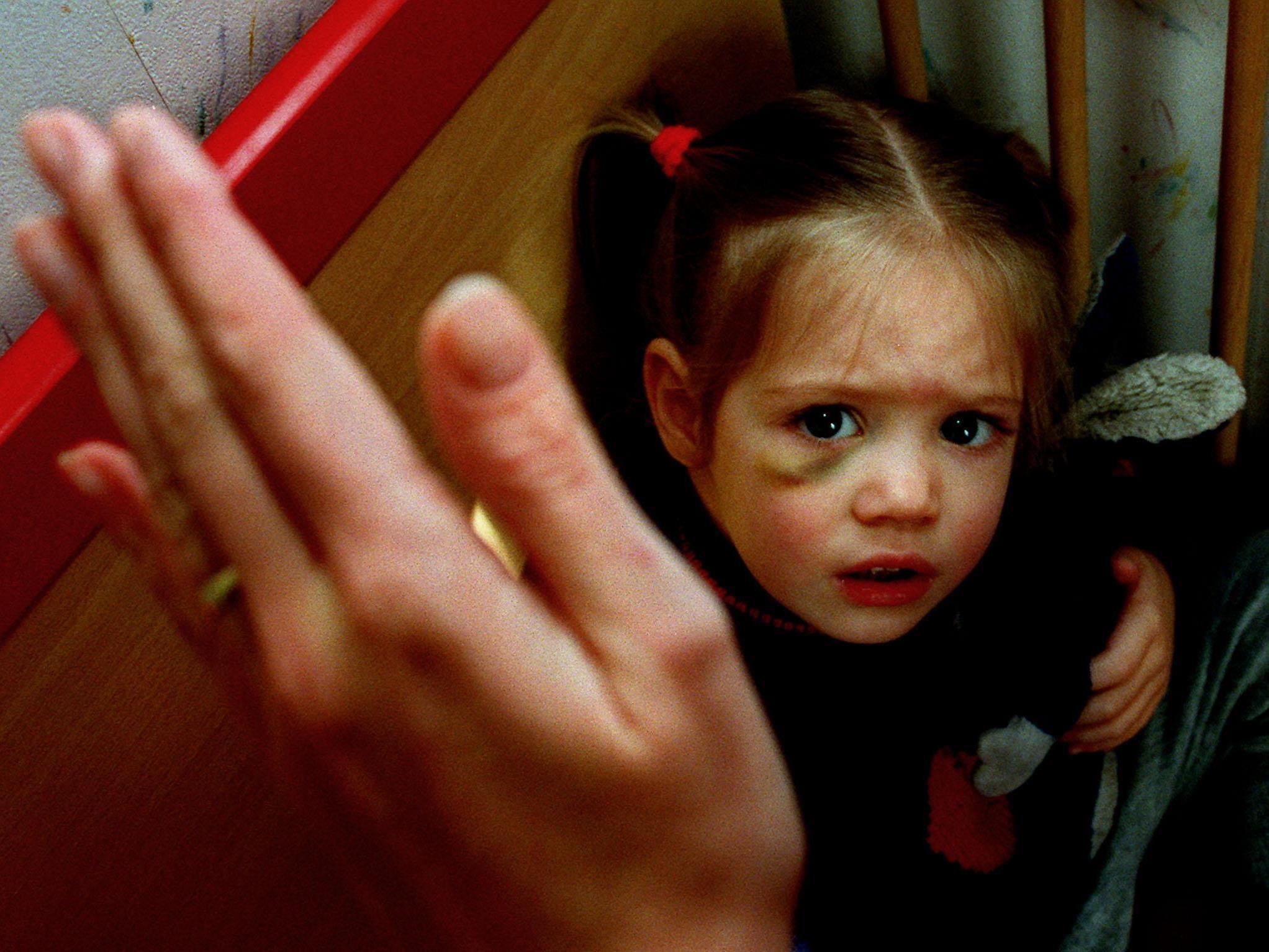 """Siebenjährige muss nach """"Prügelorgie"""" gegen eigenen Vater vor Gericht aussagen."""