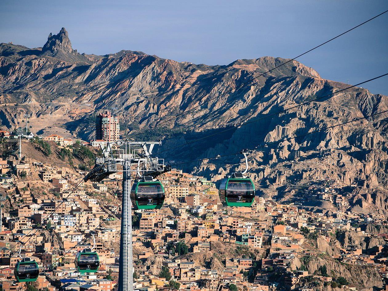 Größtes urbanes Seilbahnnetz ist in Betrieb