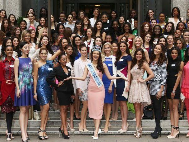 """Die schönste Frauen der Welt in London - """"Miss Austria"""" Julia Furdea mit am Start."""