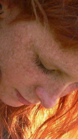 Natürliche Farben in warmen Tönen - das kann man mit Henna spielend erreichen.