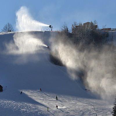 Etwa 20.000 Schneekanonen gibt es in Österreich