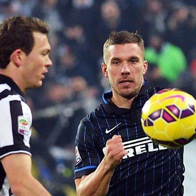 Podolski fü Inter im Einsatz