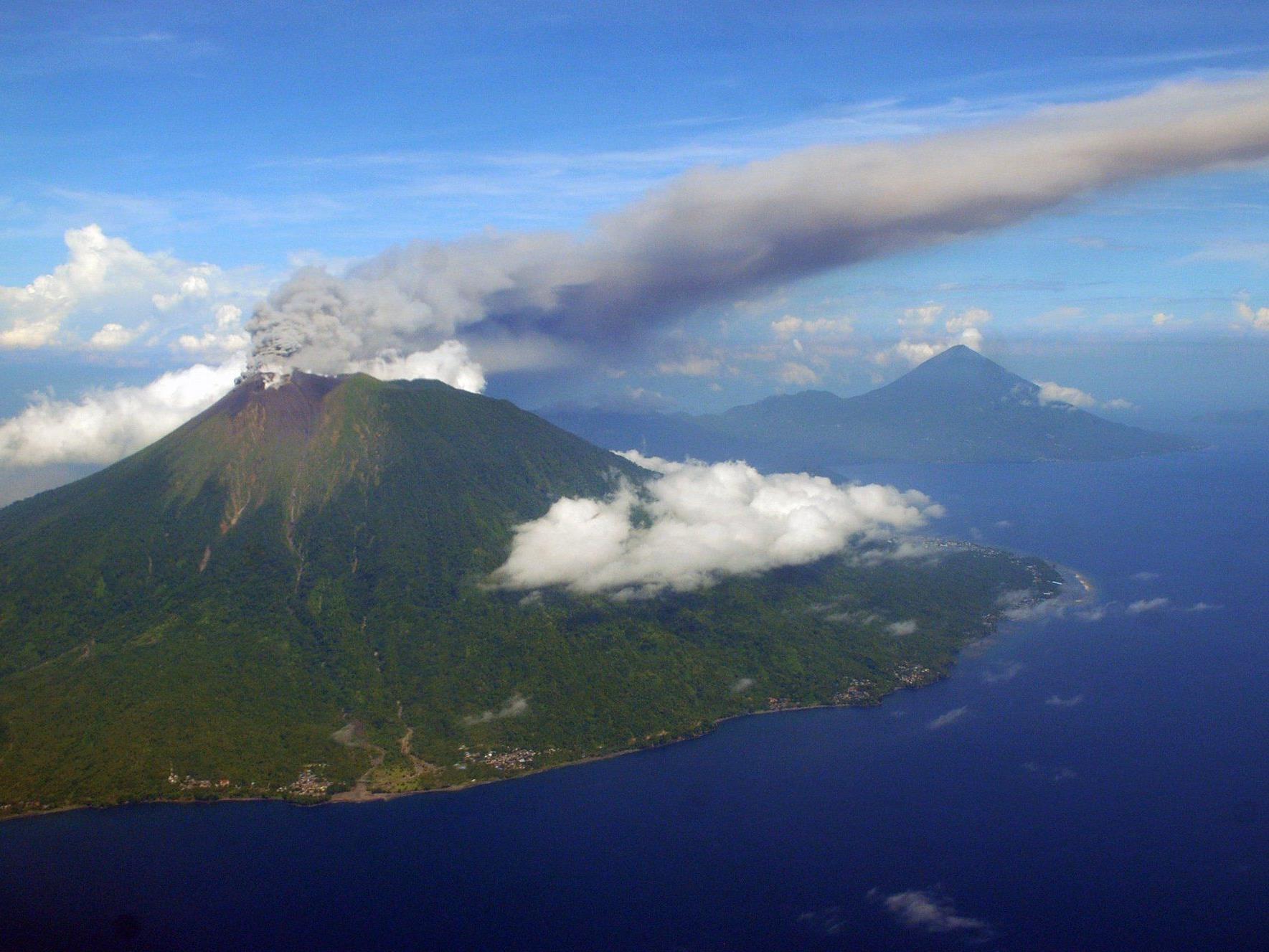 Nach dem Vulkanausbruch auf der Insel Tonga entsteht eine neue Insel.
